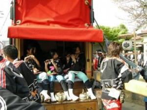 西成岩西組の山車5
