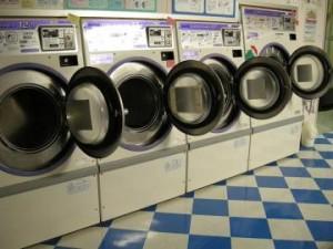 """""""除菌消毒""""後は洗濯機のドアを全開に"""