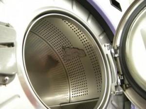 大型洗濯機のドラムに