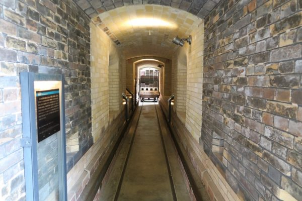 常滑 INAXライブミュージアム トンネル窯 中