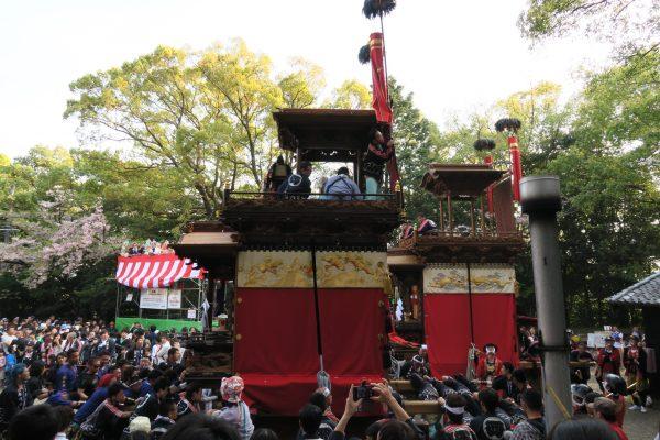 成石神社内4
