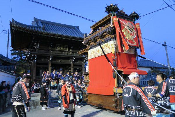 成石神社内7