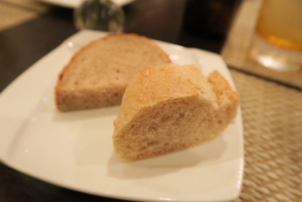 ディナーBコース パン