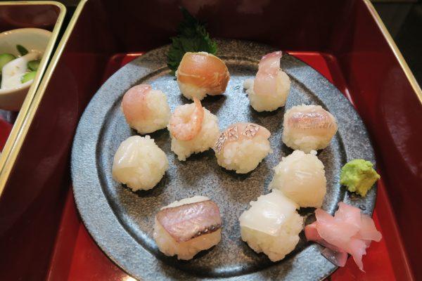 一の重:10種の手まり寿司