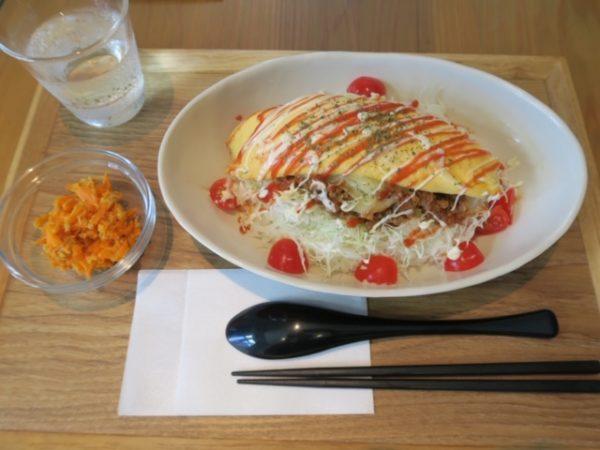 武豊町 cafeあとからね タコライスオムレツのせ(920円)