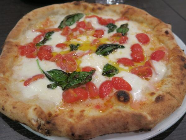 内海 ピッツェリア パッソ アヴァンティ(Pizzeria Passo Avanti) ピザ ピッツァDOC(¥1,950)