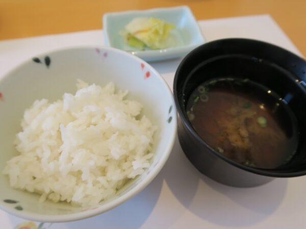 武豊町 旬の魚 喜福 浜ランチ ご飯・赤だし・漬物