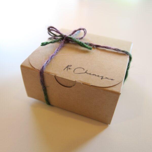 ルシミックさんの本格カヌレ 1箱500円 外観