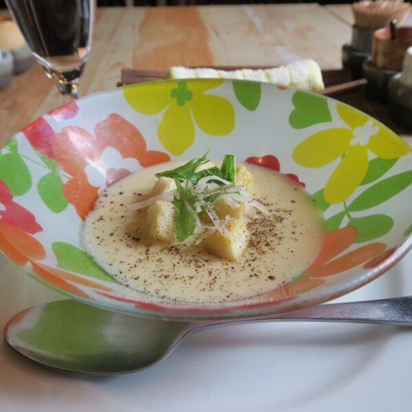 半田市瑞穂町 一期屋 日替わりランチ 前菜のスープ